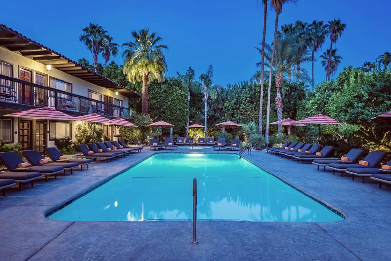 Triangle Inn - Clothing Optional Resort for Men - Vertaa