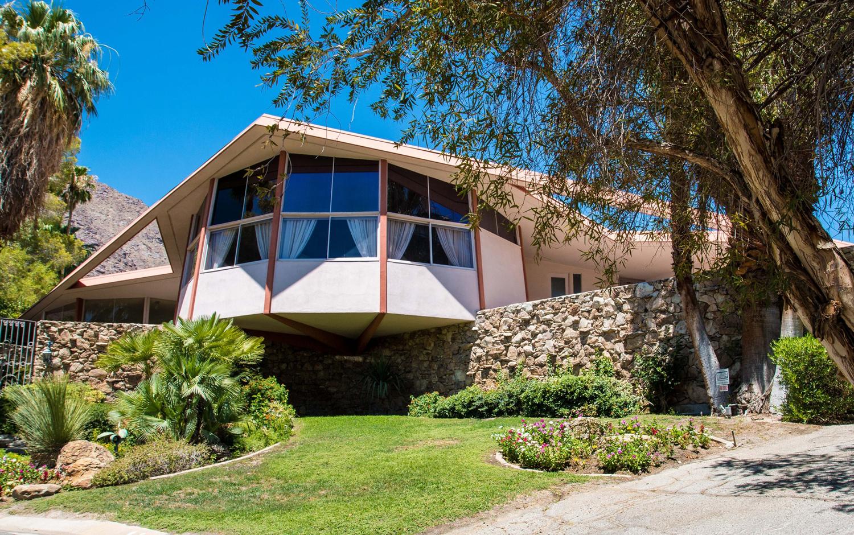 Elvis Honeymoon Hideaway house