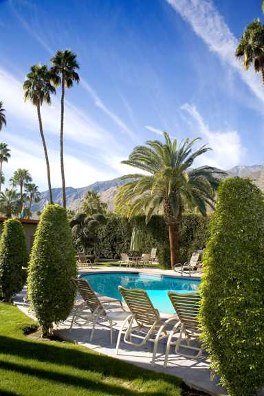 Palm Springs Clothing-Optional Gay Resort For Sale